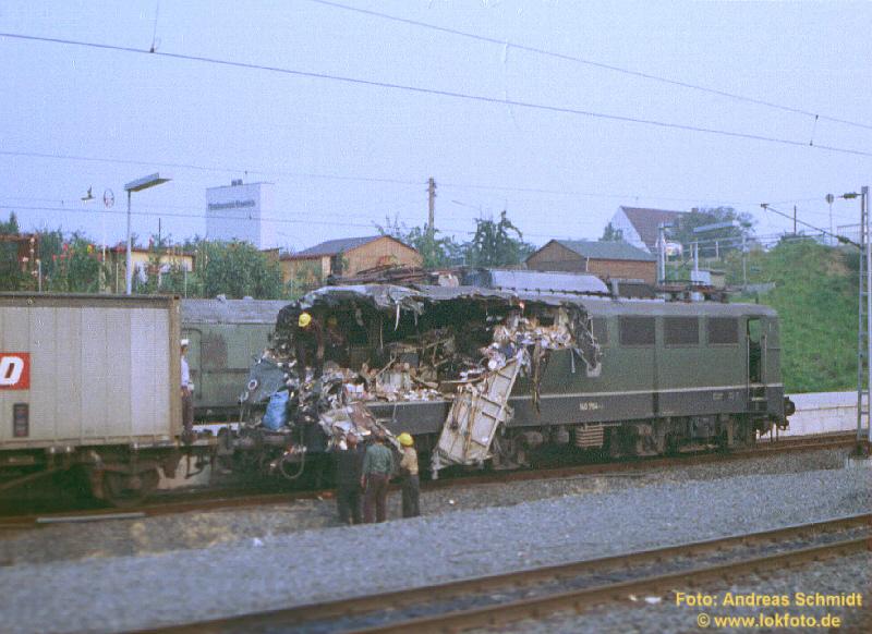 http://rueckblicke.lokfoto.de/Hannover/Unfall_Laatzen3.jpg
