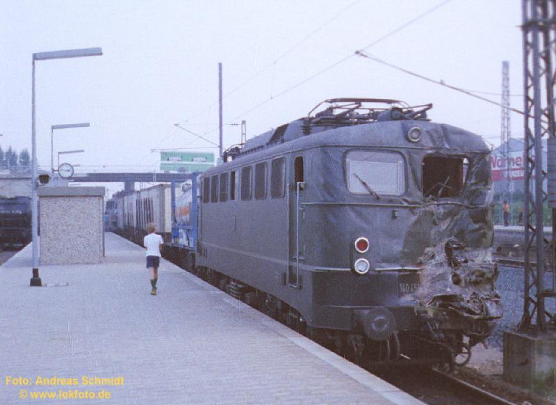 http://rueckblicke.lokfoto.de/Hannover/Unfall_Laatzen4.jpg