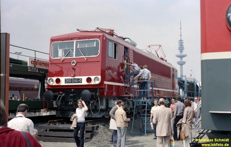 http://rueckblicke.lokfoto.de/Vor_25_Jahren/1979/1979_4/fn75_2_15_250_094.jpg