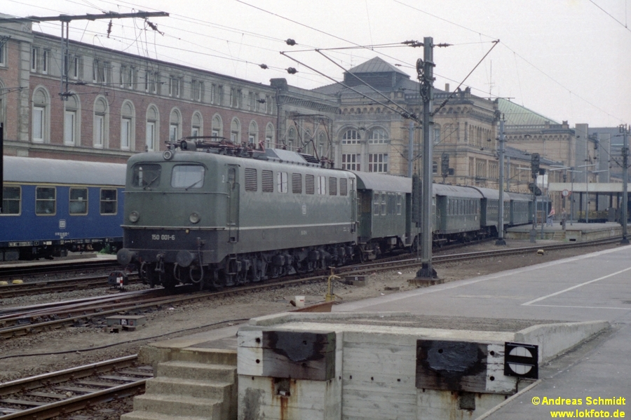http://rueckblicke.lokfoto.de/Vor_25_Jahren/1979/1979_4/fn76_7_57_150_001.jpg