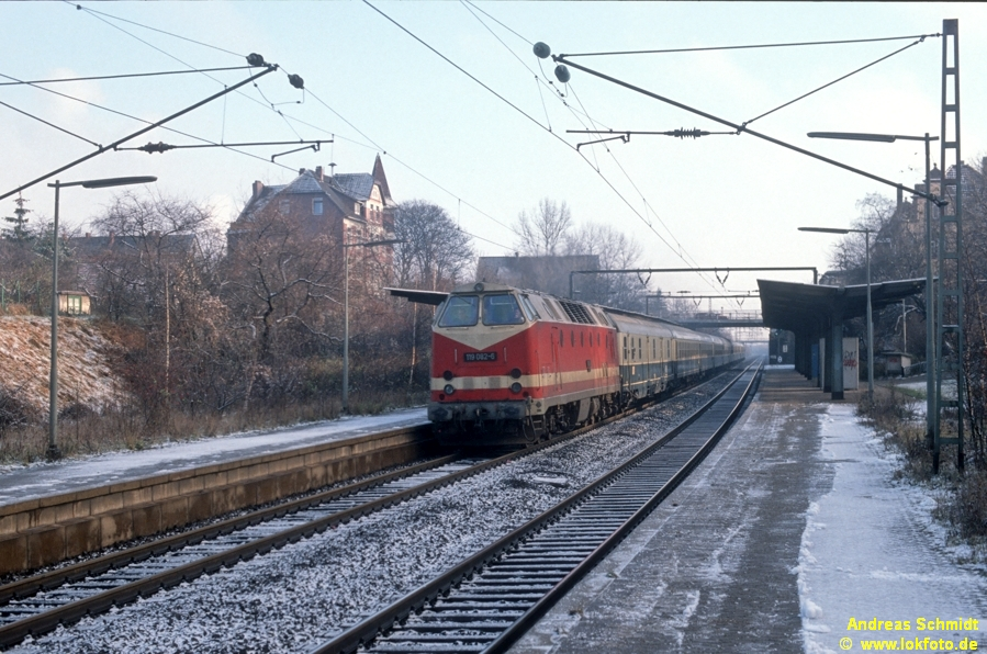 http://rueckblicke.lokfoto.de/Vor_25_Jahren/1990/1990_5/D17652_119_082.jpg
