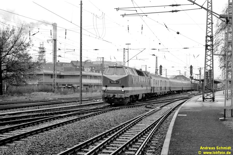http://rueckblicke.lokfoto.de/Vor_25_Jahren/1990/1990_5/sw96_2_35_119_035.jpg